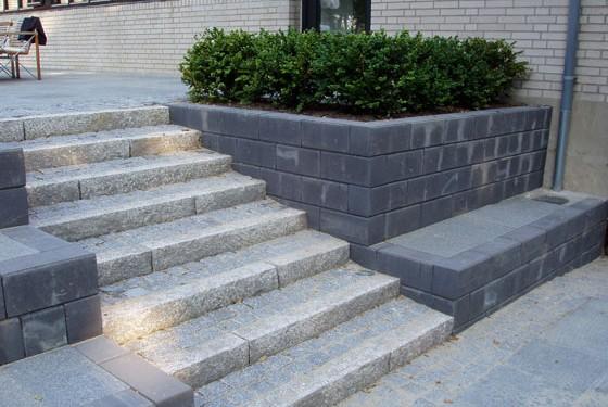 Granitkantsten og chaussesten giver et eksklusivt look