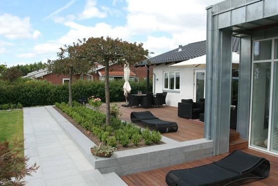 Minimalistisk haveanlæg i Vejle